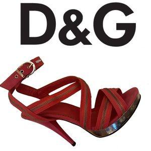 DOLCE & GABBANA strappy platform heels in pink